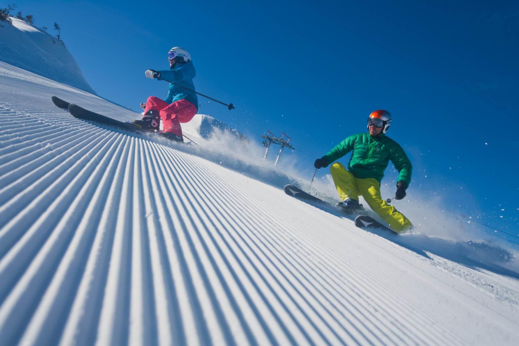 austrian alpine chalets reiteralm ski amade 13 detached and new build design chalets in ski. Black Bedroom Furniture Sets. Home Design Ideas