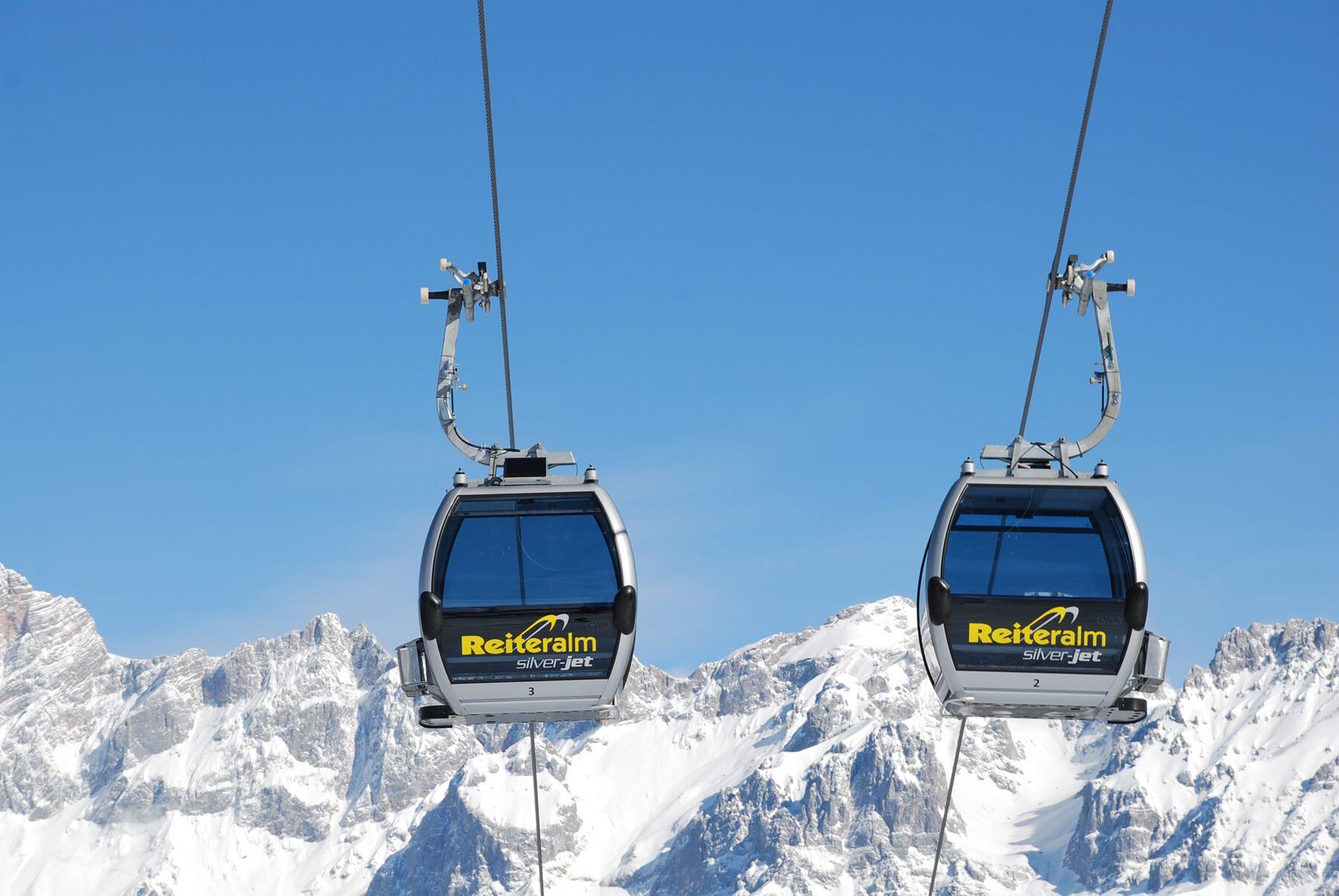 austrian alpine chalets reiteralm design chalets ski amade. Black Bedroom Furniture Sets. Home Design Ideas